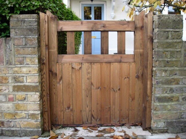 Hardwood Lodge Style Gate