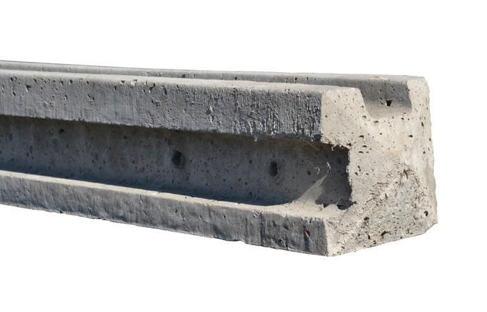 slotted concrete corner post