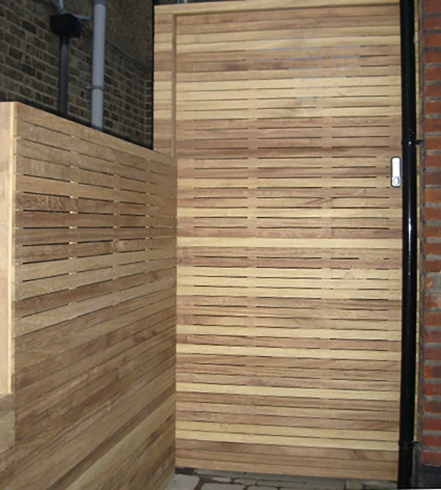 Iroko lateral gate