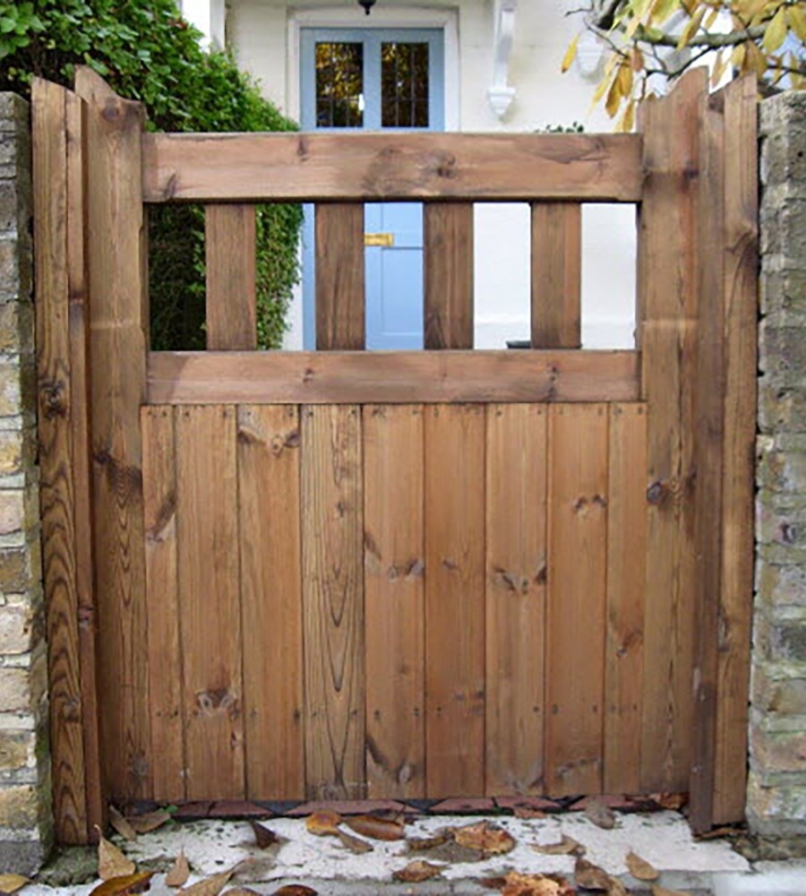 Hardwood Lodge Style Gate main