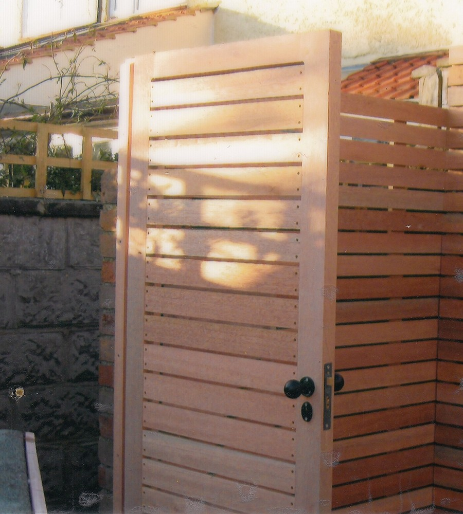 Meranti or cedar lateral gate